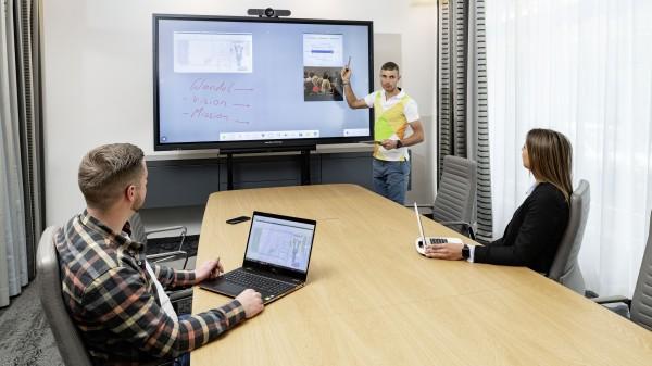 galneoscreen 86i Videokonferenzsystem Bundle
