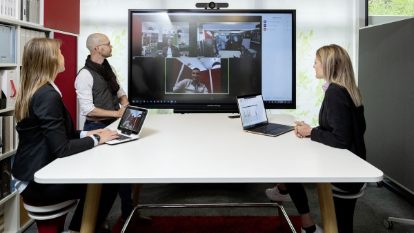 galneoscreen 55i Videokonferenzsystem Bundle